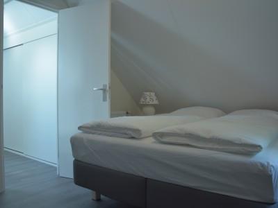 De derde  2-persoons slaapkamer (boven)